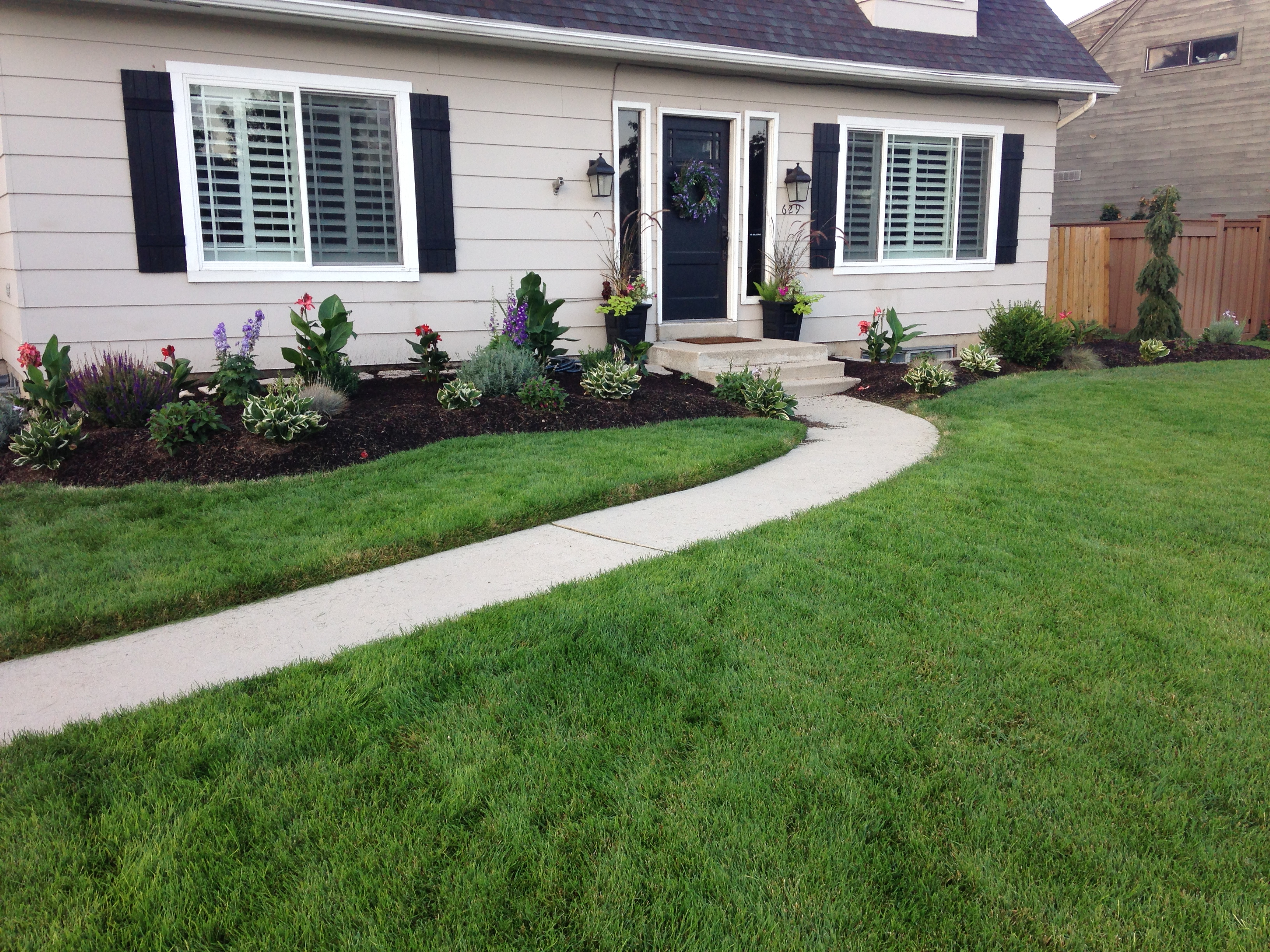 If You Really Want To Know How Care For A Lawn Need Focus In And Learn Something About The Individual Gr Plants That Comprise It